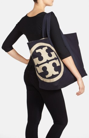25d961984fe9 ...  Beach  Logo Canvas Tote –  195.00.  ToryBurch    toryburch. tory  burchtote2