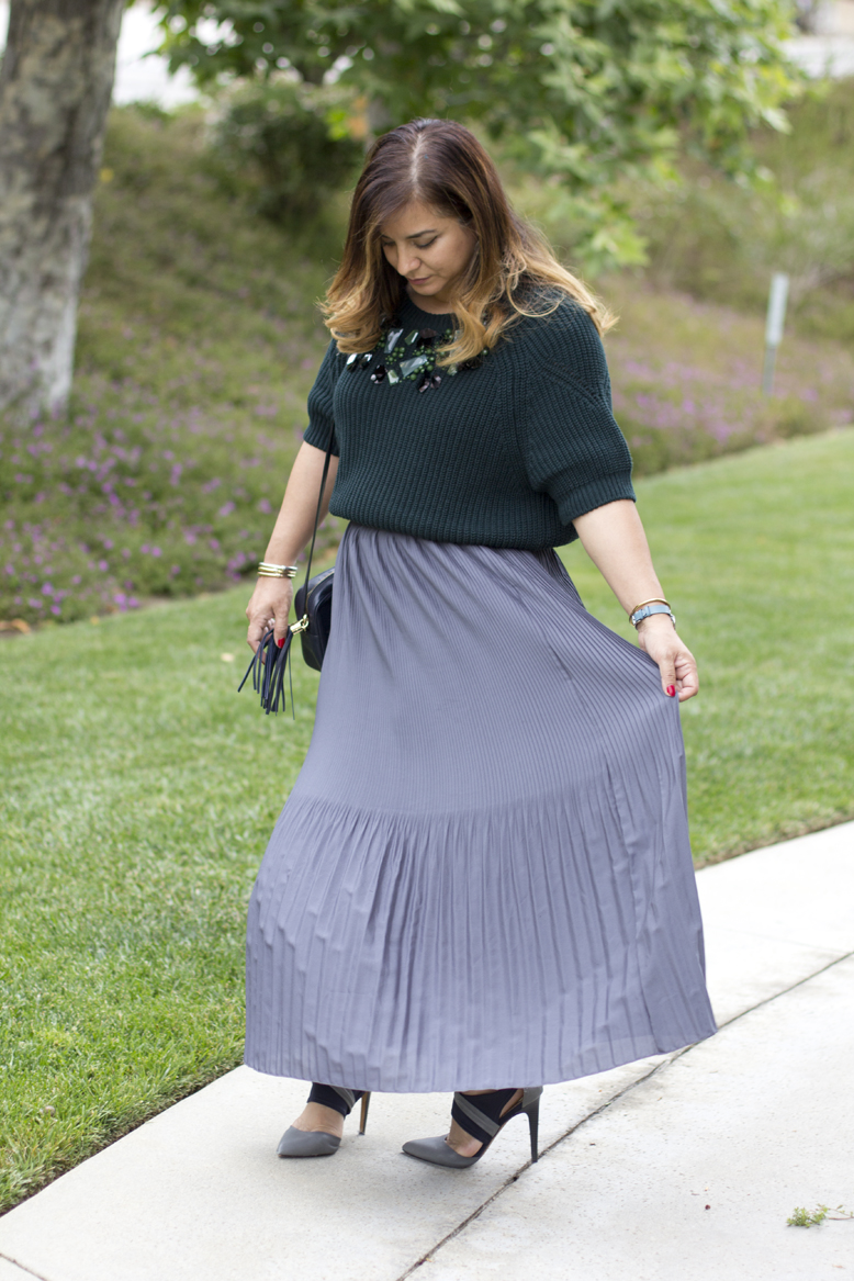 green-sweater-pleated-maxi-skirt-ootd