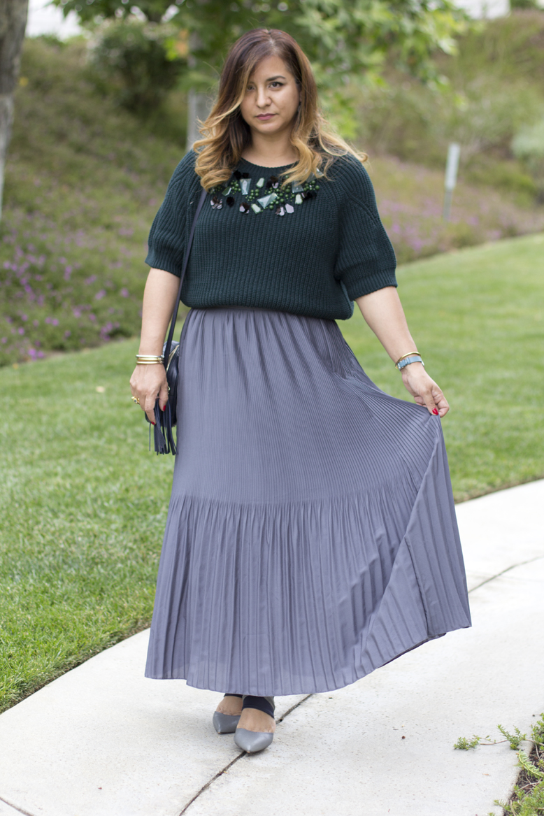 green-sweater-pleated-maxi-skirt-outfit