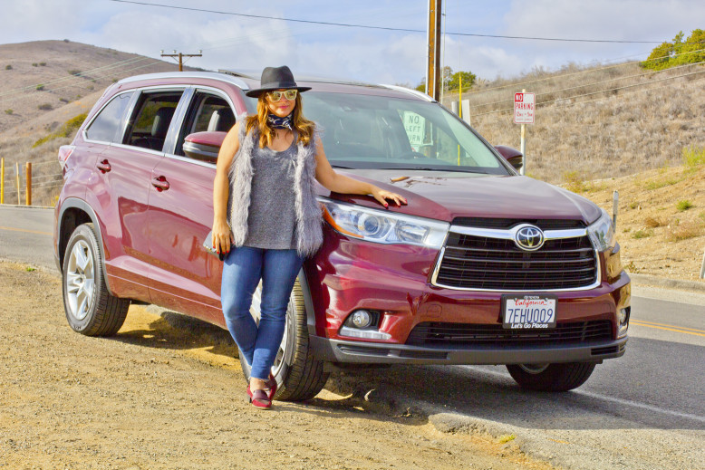 A quick stop to take a picture with the Toyota Highlander