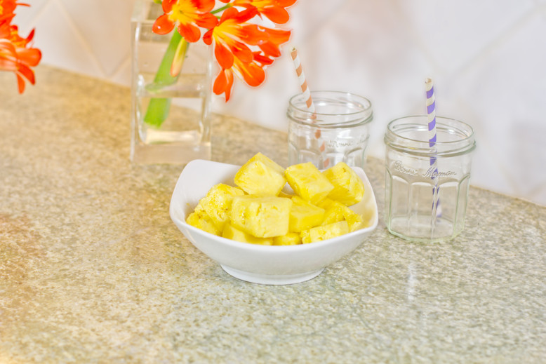 kura-smoothie-diced-fresh-pineapple